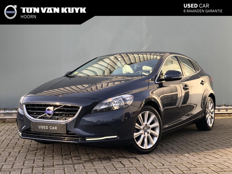 """Volvo V40 1.6 d2 115pk summum / navigatie / telefoon / 17"""" / leer"""