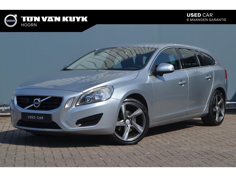 Volvo V60 D3 163pk momentum business intellisafe