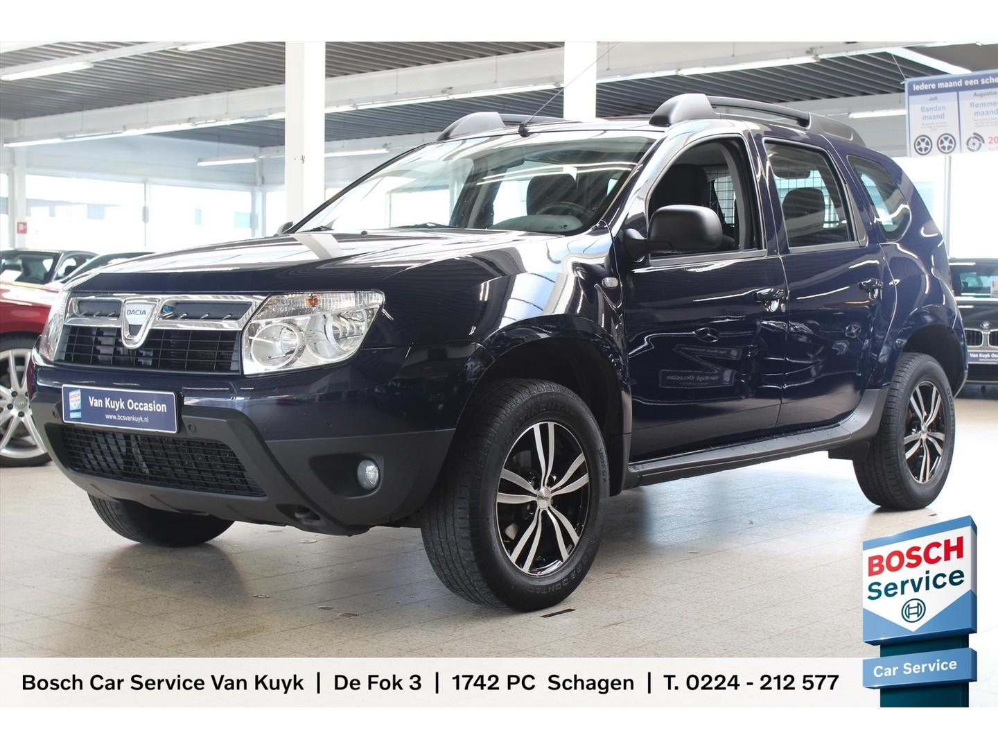 Dacia Duster 1.6 laureate 16v / 16 inch / pdc / carkit /
