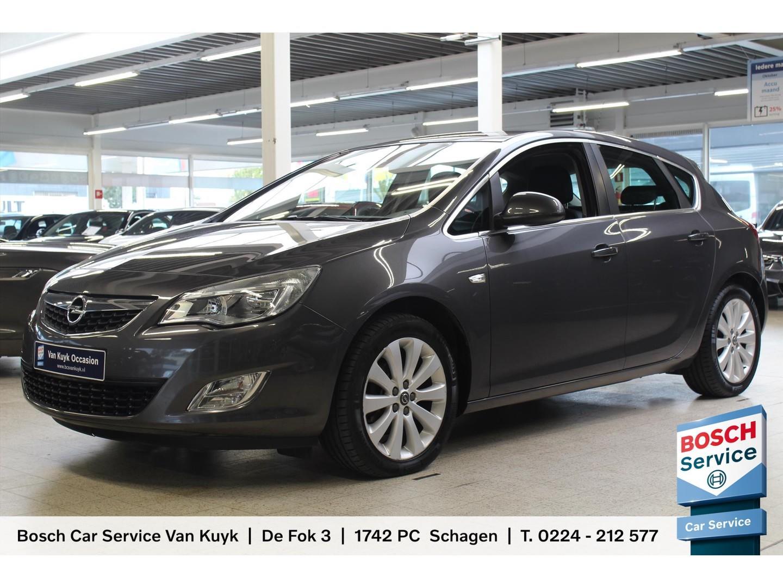 Opel Astra 1.4 turbo 140pk / trekhaak / climaat control / lm velgen