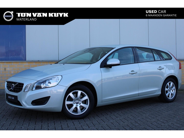 Volvo V60 T3 1.6 150pk kinetic / adaptieve cruise control / navigatie /