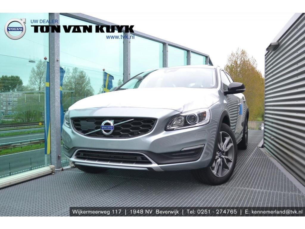Volvo V60 cross country T5 245pk geartronic polar+ luxury / leder / 18 inch / schuifkant