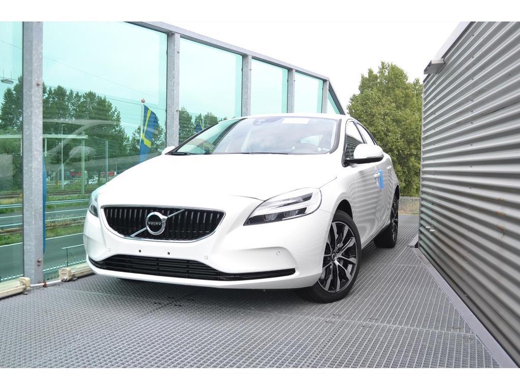 Volvo V40 1.5 t3 152pk geartronic dynamic edition / 17 inch / dab+