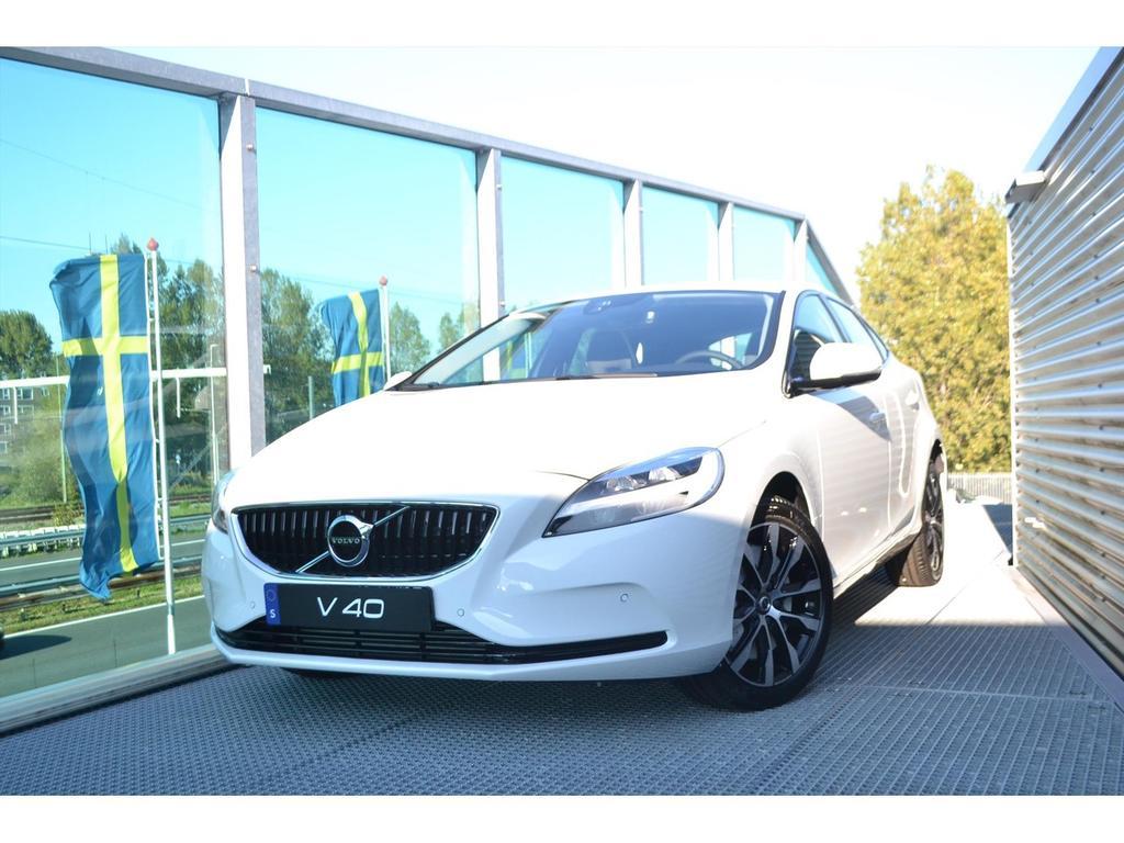 Volvo V40 1.5 t3 152pk geartronic dynamic edition / dab + / 17 inch /