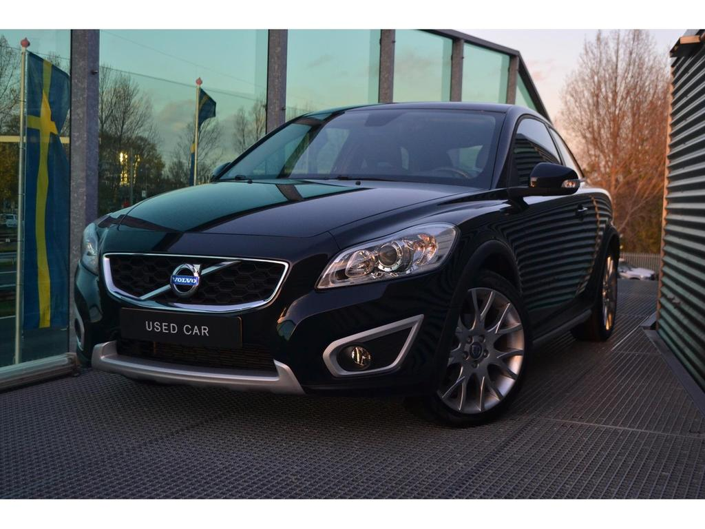 Volvo C30 2.0 momentum/navi/tel/18 inch