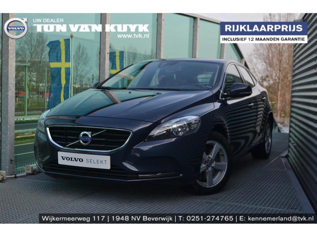 Volvo V40 2.0 d4 190pk momentum business / navigatie / trekhaak afneembaar