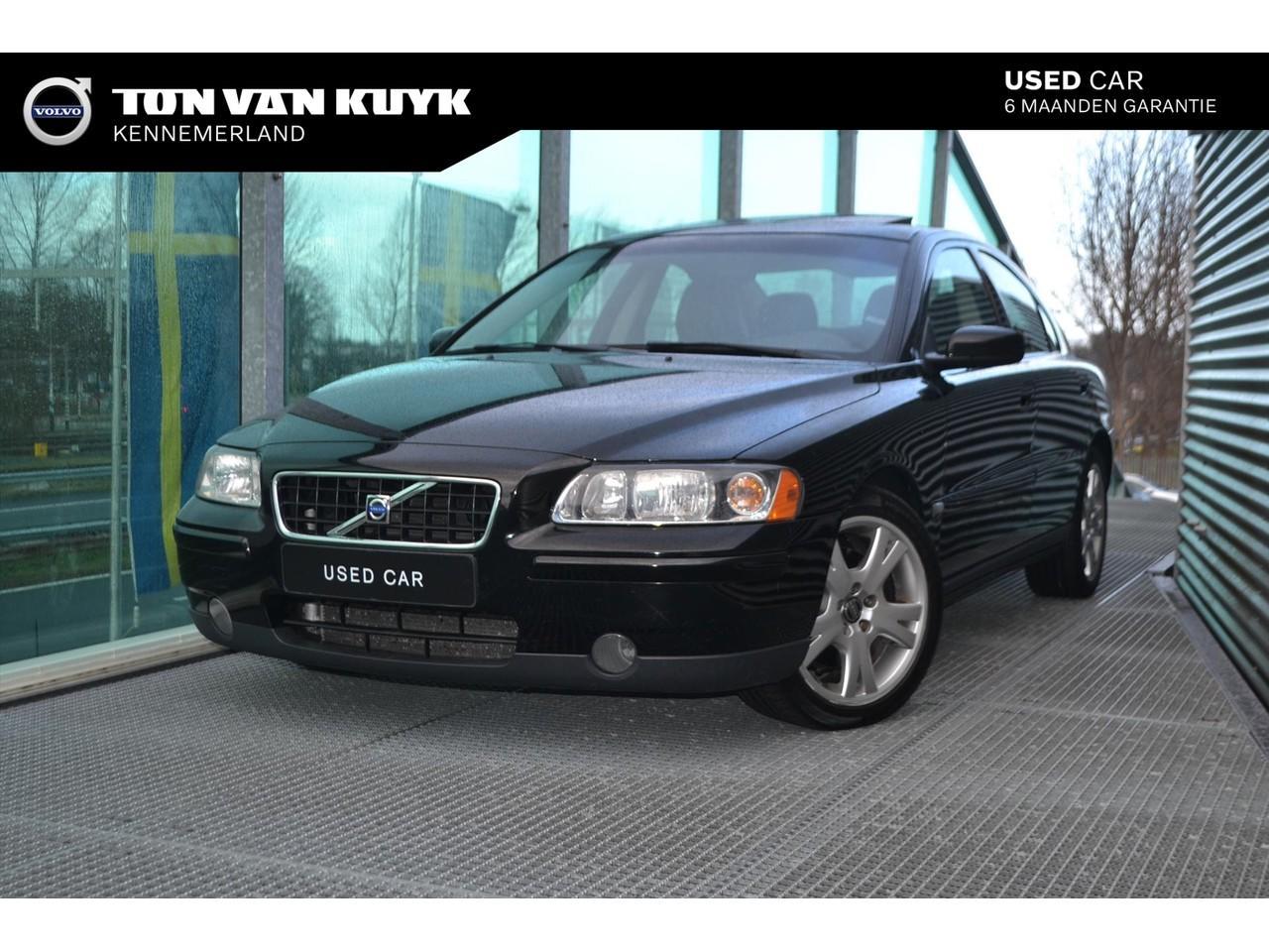 Volvo S60 2.0 t kinetic / schuifdak / 17 inch / trekhaak / volledig dealer