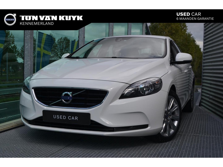 Volvo V40 1.6 d2 115pk momentum / 17 inch /navi