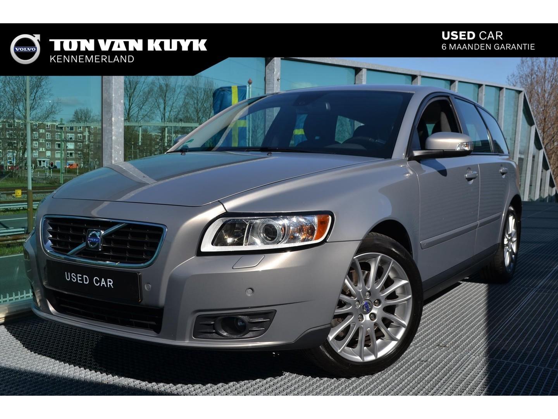 Volvo V50 2.4 140pk geartronic edition 2 / leder / trekhaak / park assist voor en achter