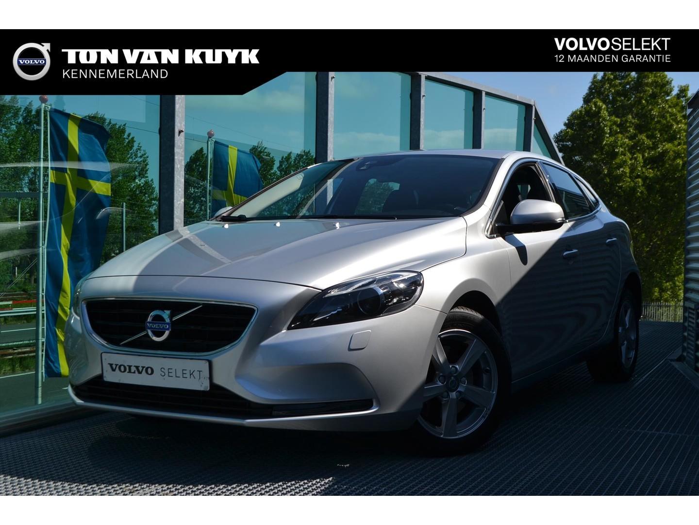 Volvo V40 2.0 t2 122pk nordic+ / parkeerverwarming / navigatie / stoelverwarming / volvo on call