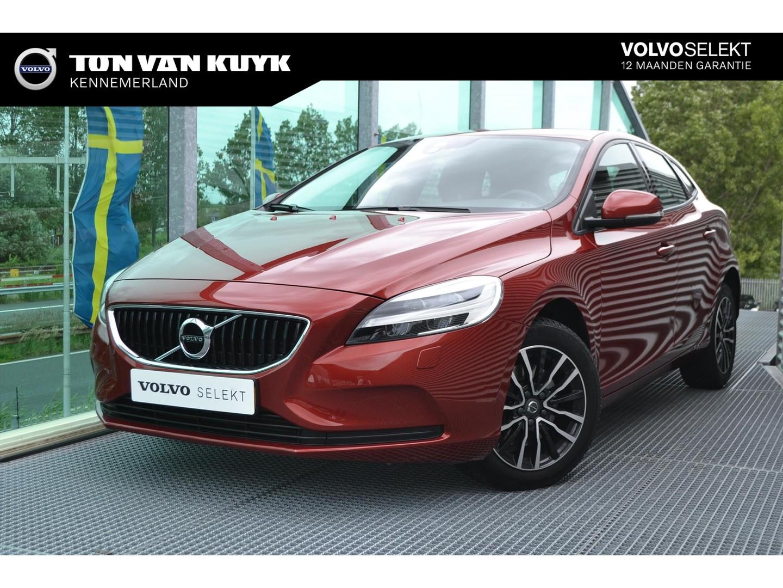 Volvo V40 2.0 t2 122pk nordic+ / parkeerverwarming / trekhaak