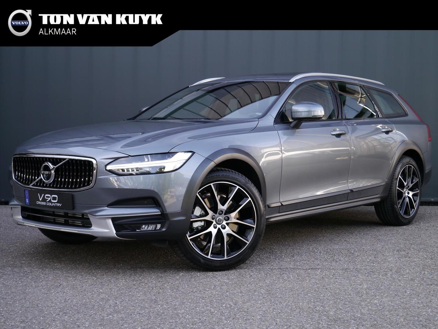 Volvo V90 cross country T5 250pk geartronic awd pro / b&w / inscription line /