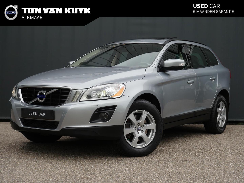 Volvo Xc60 D5 awd aut. kinetic / trekhaak / panoramisch dak / xenon