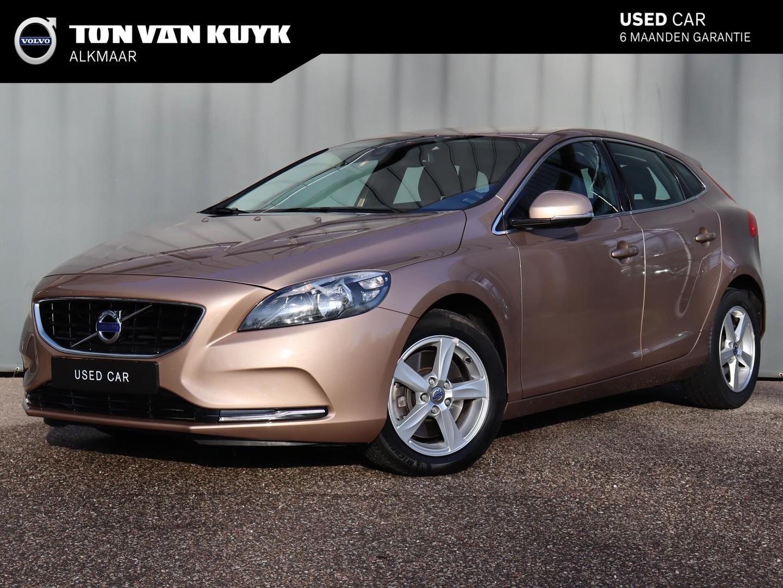 Volvo V40 2.0 d4 190pk summum / harman kardon / verw. voorraam / trekhaak