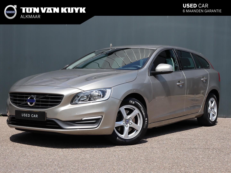 Volvo V60 D4 181pk momentum / trekhaak / climate-control