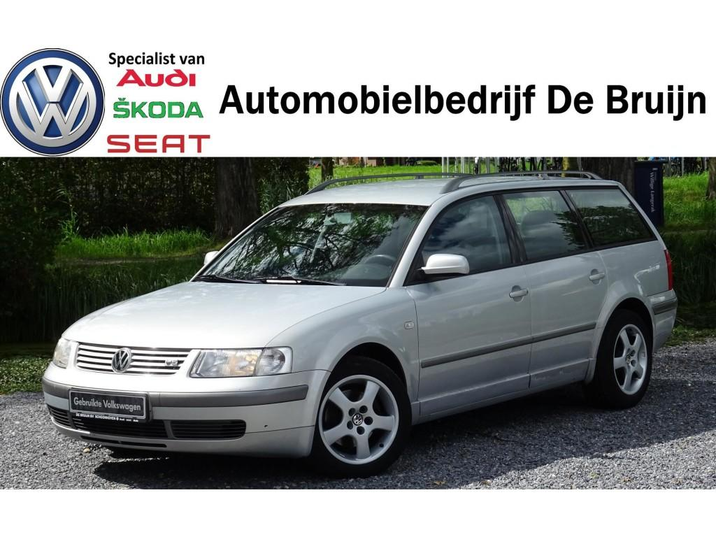 Volkswagen Passat Variant 2.3 v5 automaat (clima, cruise, lm)