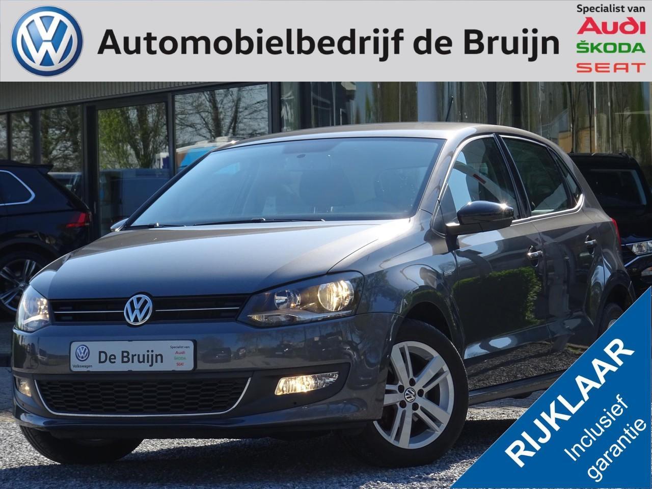 Volkswagen Polo 1.2 70pk 5d match (lm,sportstoelen,airco,multi-stuur)