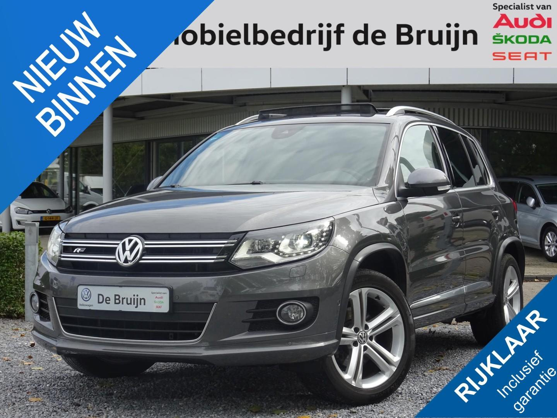 Volkswagen Tiguan 2.0 tdi sport&style r-line 140pk (xenon,trekhaak,panorama,bearlock,navi,pdc,cruise,clima)