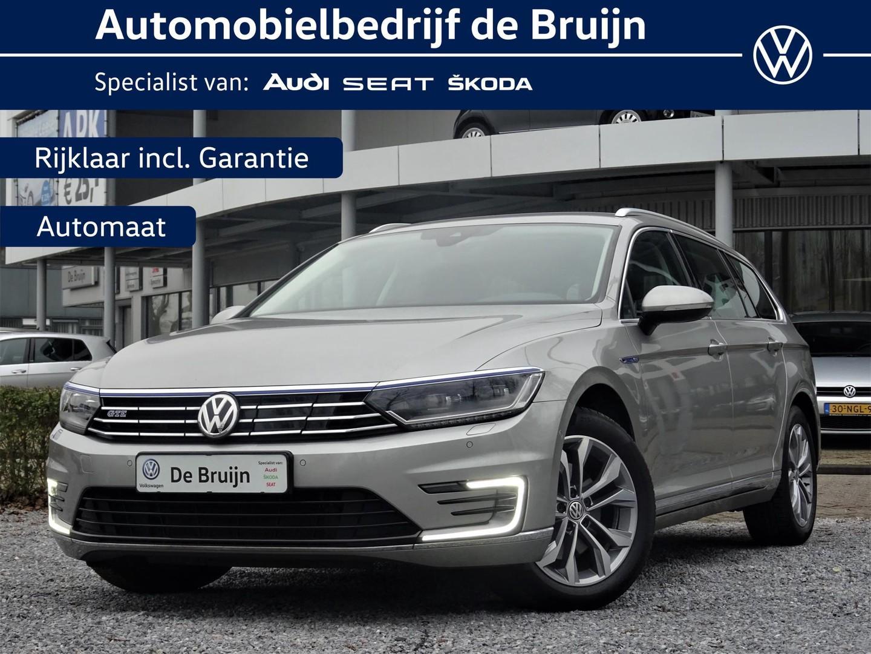 Volkswagen Passat Variant highline gte 218pk 14% bijtelling (led,camera,navi,parkassist,side-assist)