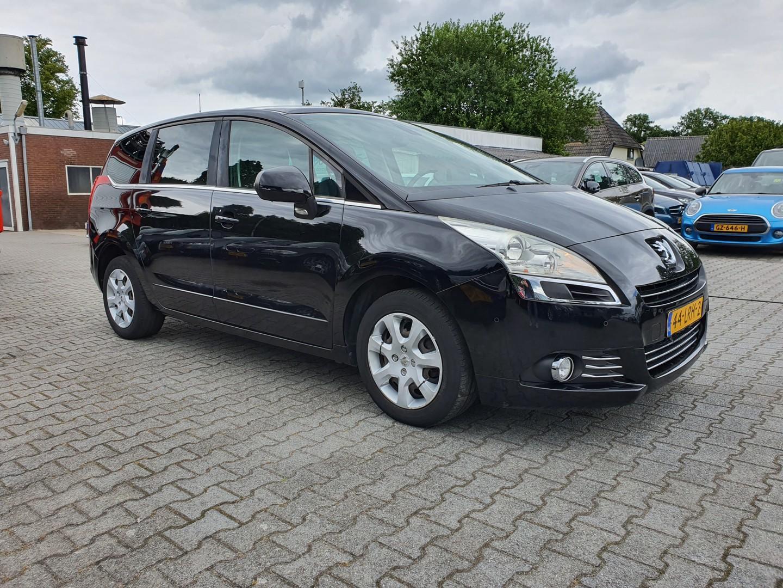 Peugeot 5008 1.6 vti st 7-pers. *pano+navi+cruise+pdc*