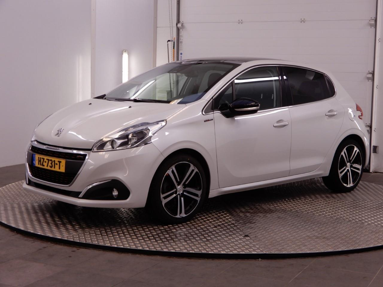 Peugeot 208 1.6 bluehdi gt-line *pano+1/2leder+navi+jbl-sound+ecc+pdc+cruise*