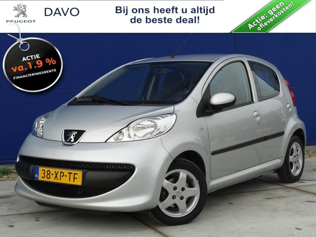 Peugeot 107 1.068pk 5d xs airco / cd / lmv / lage km stand !!