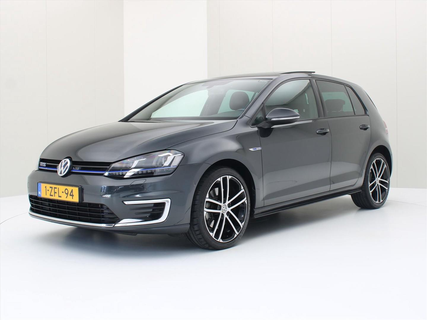 Volkswagen Golf 1.4 tsi phev 204pk dsg gte executive plus [ panodak+leder+camera+trekhaak ]