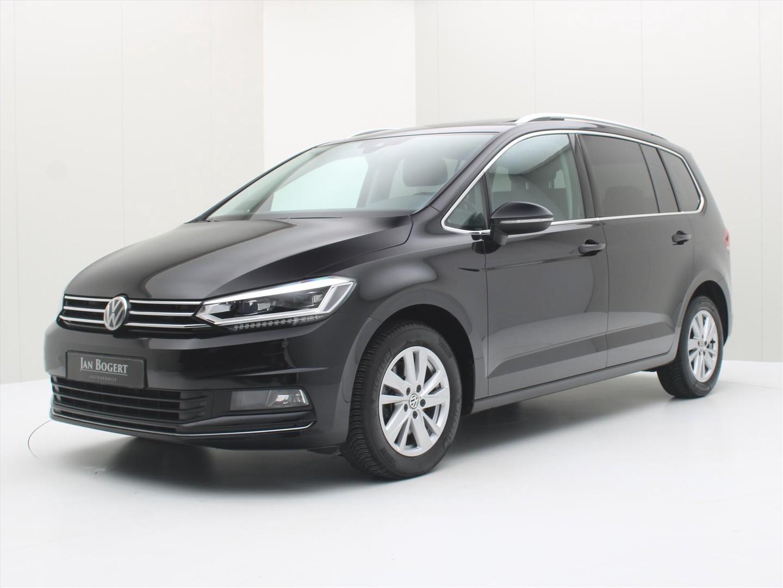 Volkswagen Touran 1.5 tsi 150pk bmt dsg highline 7p [ schuifdak+led+acc+climaat+navi ]