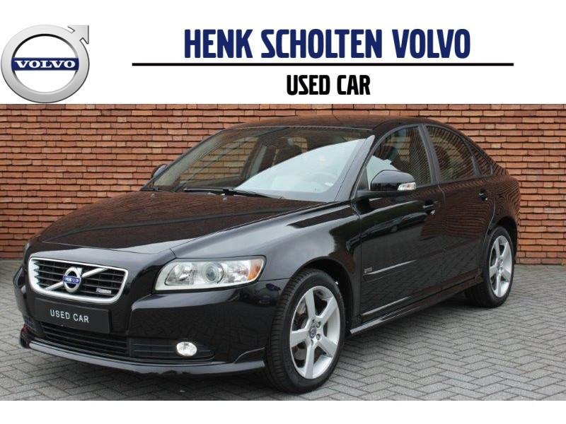 Volvo S40 D3 150pk r-design pro edition