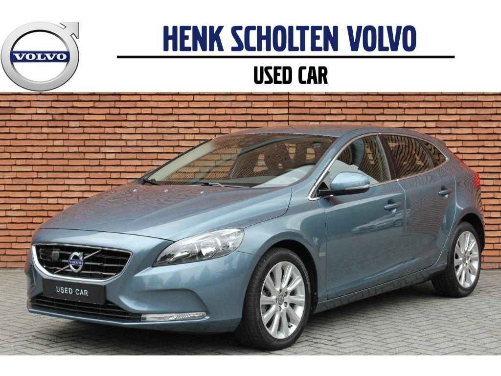 Volvo V40 D2 momentum intellisafe proline