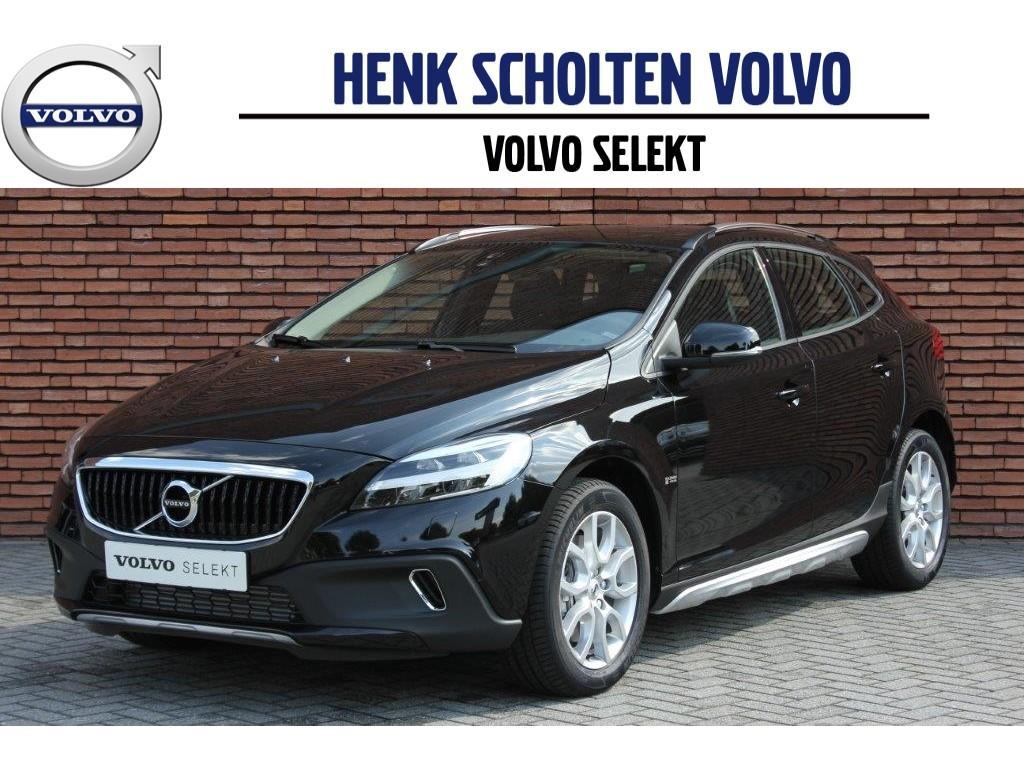 Volvo V40 Cross country t3 nordic+ scuff plates 17