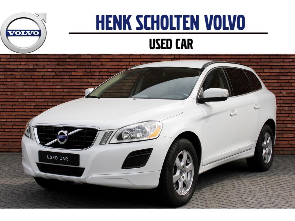 Volvo Xc60 2.0t momentum automaat navi/19'lichtm/stoelver.
