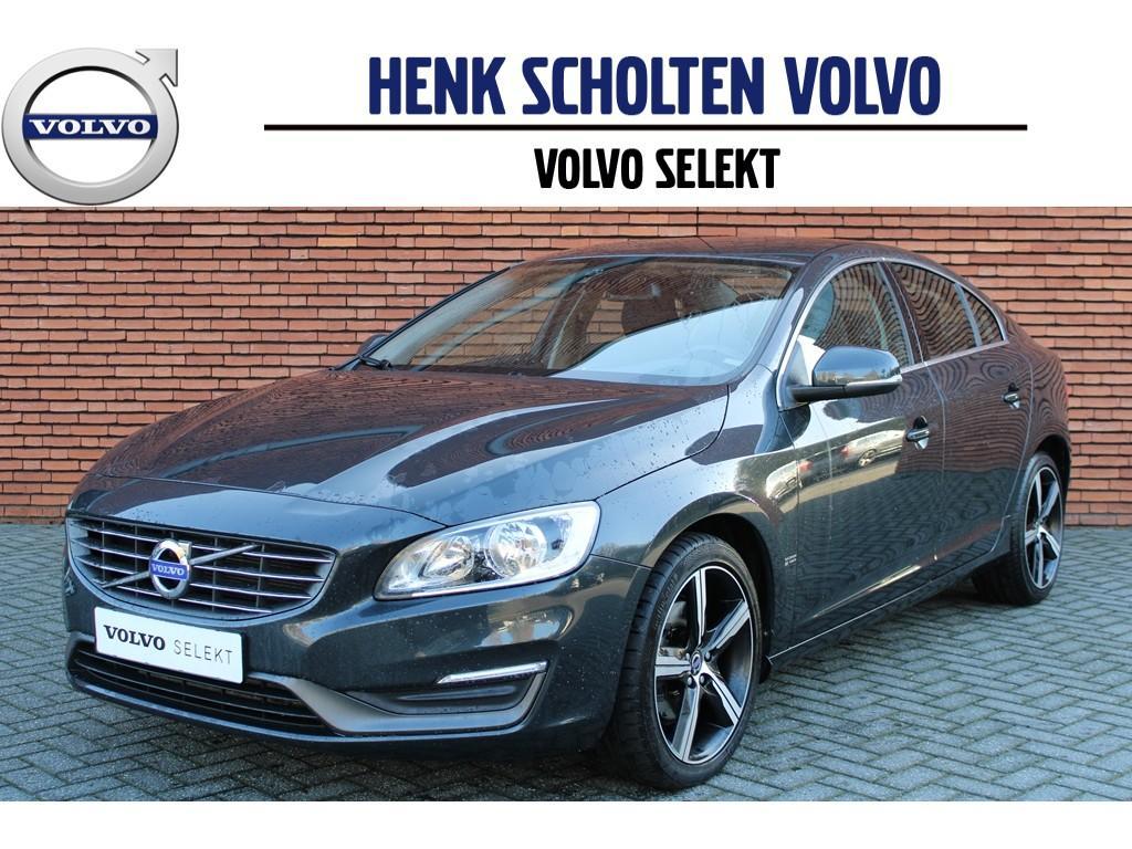 Volvo S60 D4 momentum 180pk navi/18'lichtm/clima