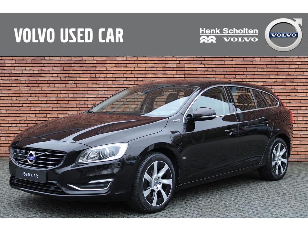 Volvo V60 Volvo v60 d6 awd summum hybrid ( full options ).