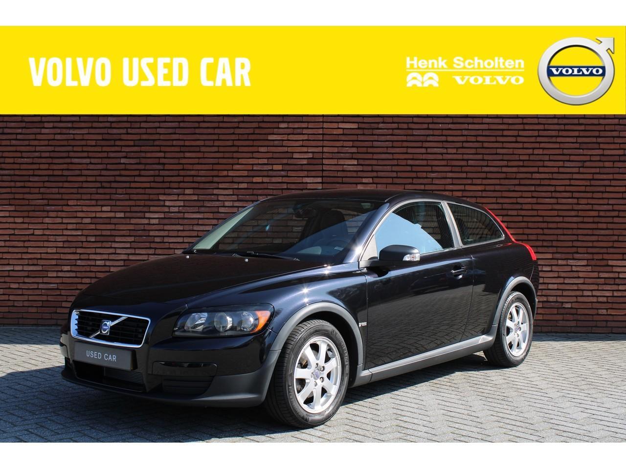 Volvo C30 1.8 kinetic nieuw geleverd en onderhouden!