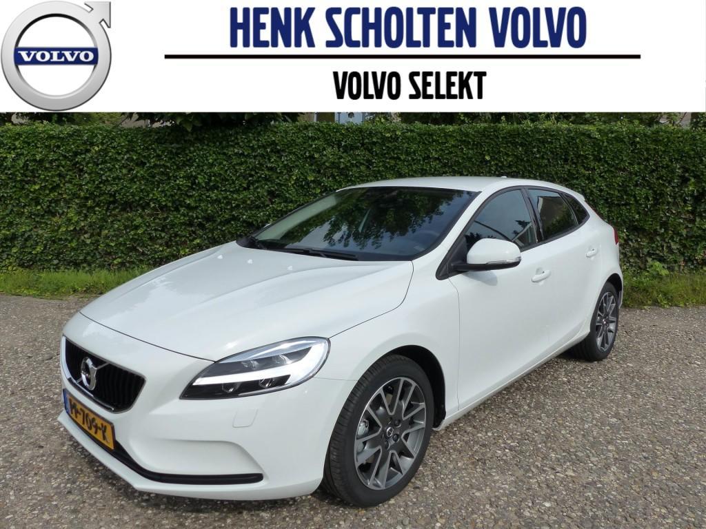 Volvo V40 2.0 t2 122pk nordic+ parkeerverwarming ecc navigatie
