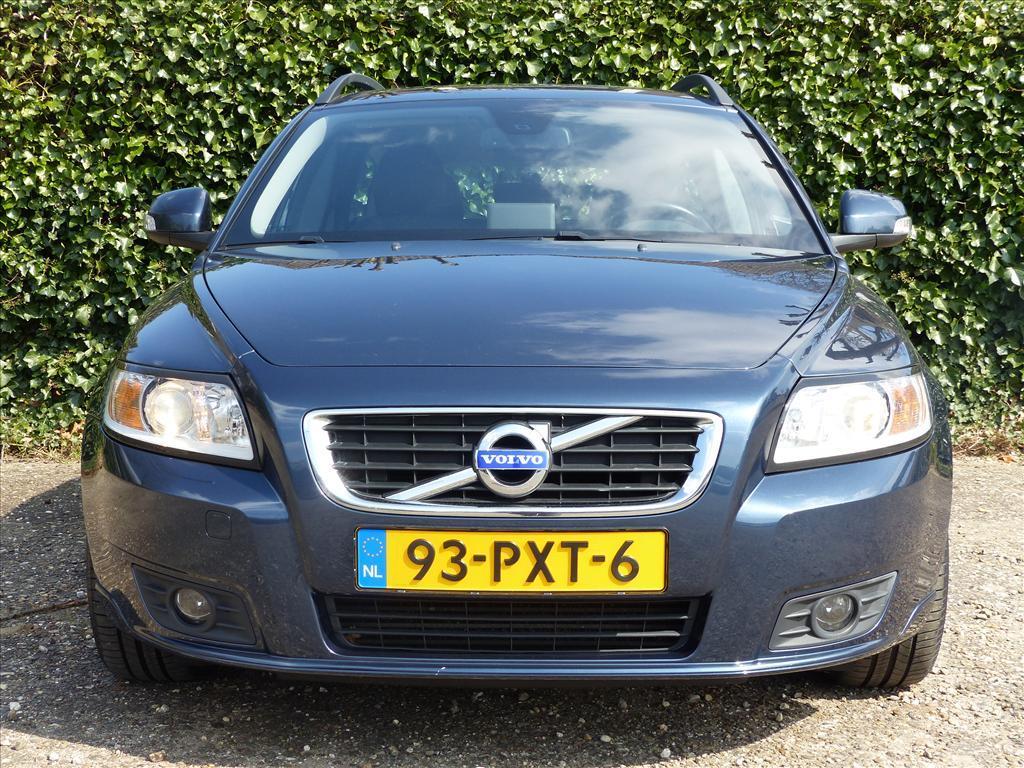 Volvo V50 D2 115pk sport, navigatie, bluetooth, park assist, roofrails,