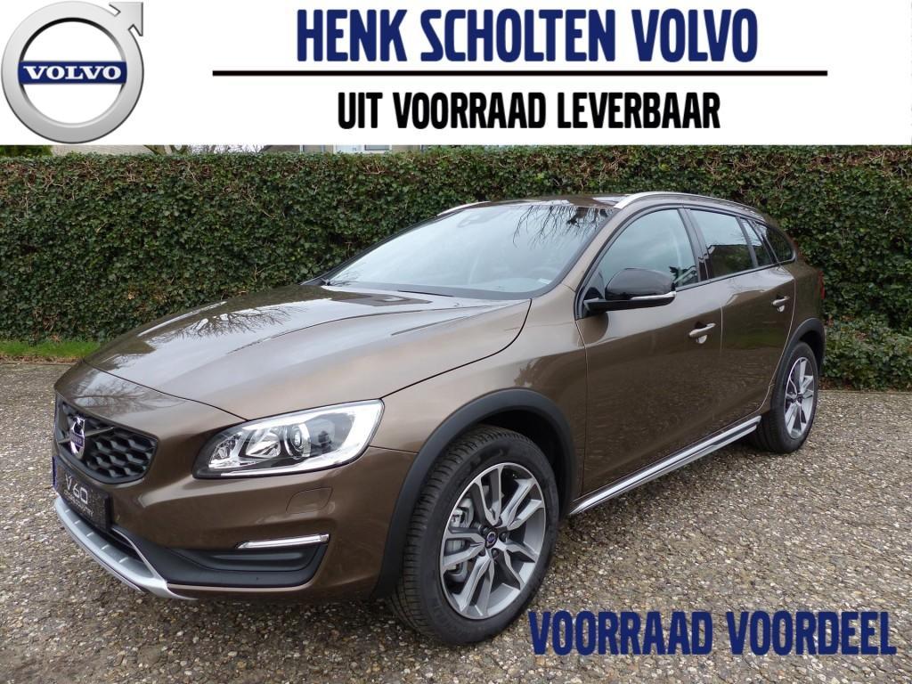 """Volvo V60 cross country D3 150pk polar+, 18"""", dab+, leder, verwarmde voorruit, tft, res."""