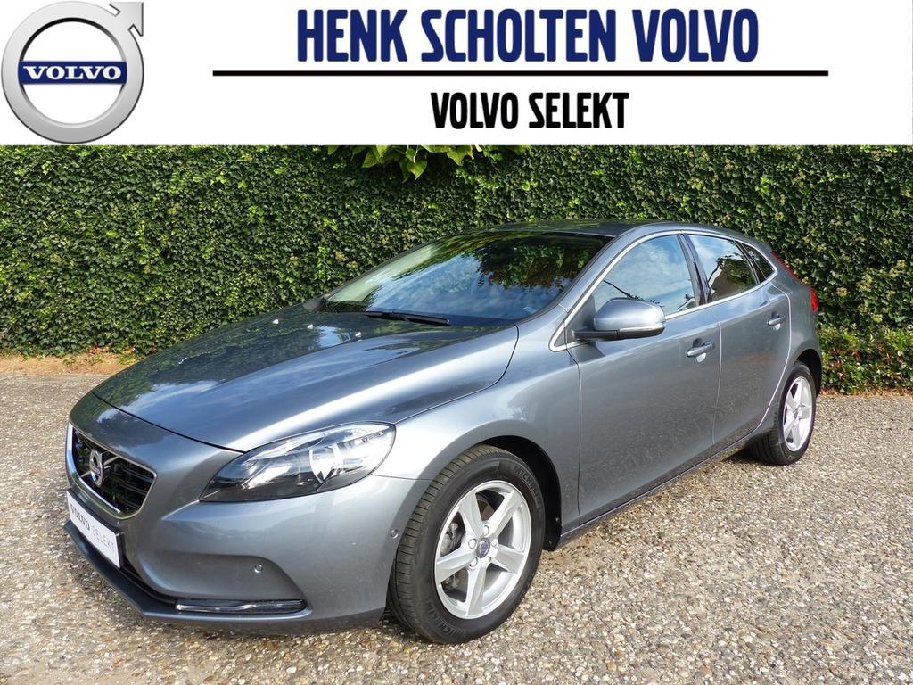 Volvo V40 2.0 d2 momentum business, harman kardon, leder