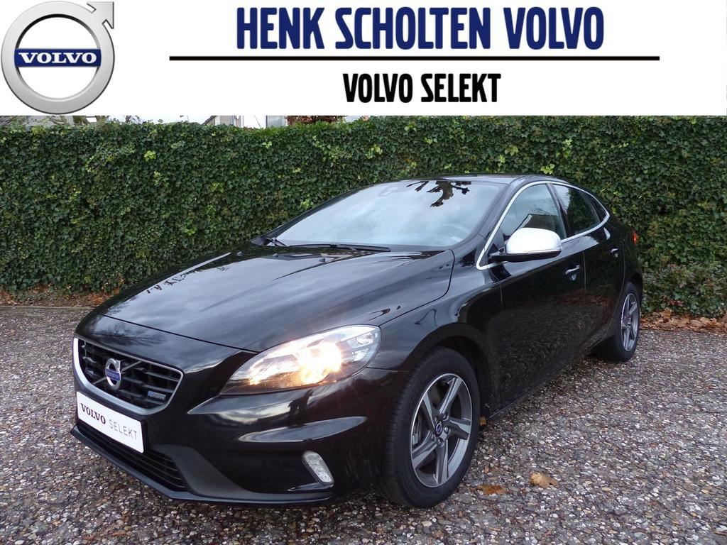 Volvo V40 D4 190pk r-design business 14% bijtelling, navi