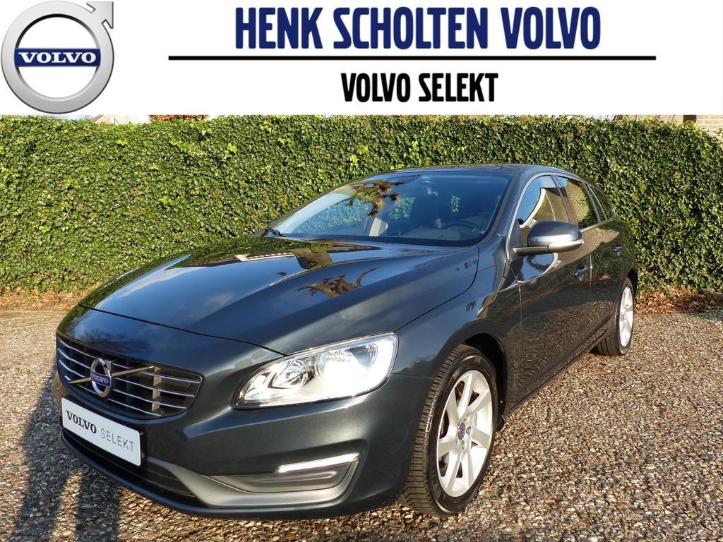Volvo V60 D2 momentum, navi, parkeersensoren, trekhaak