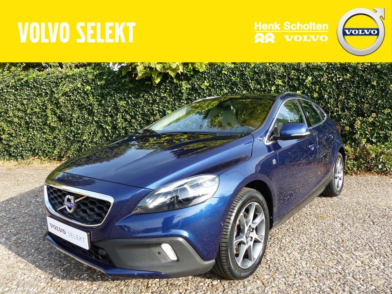 Volvo V40 cross country D2 ocean race, bus. pack connect