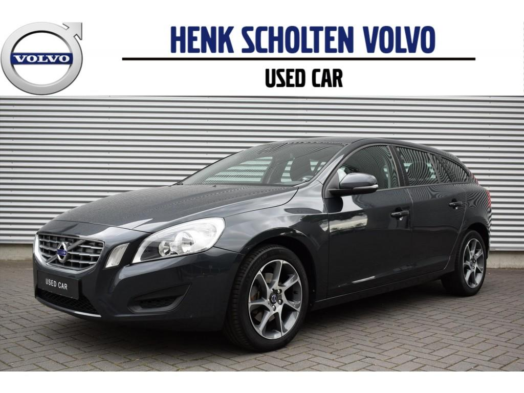 Volvo V60 D2 kinetic/navi/ecc/camera/17-inch