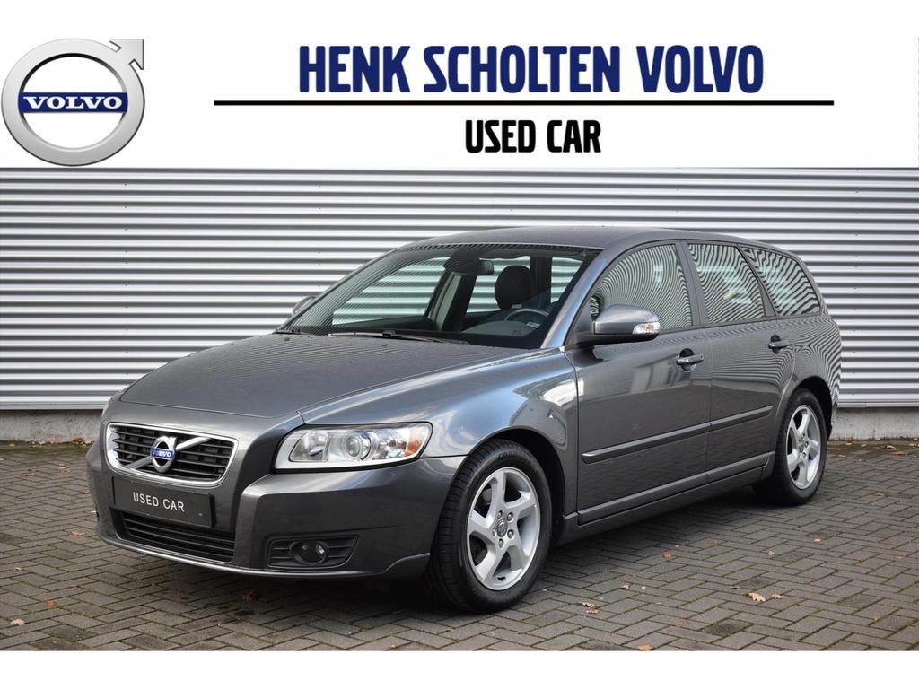 Volvo V50 D2 trekhaak ,regensensor ,park-sens ,cruise
