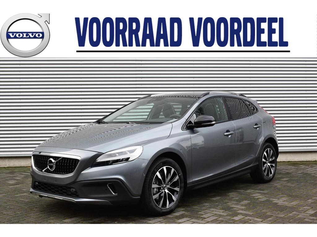 Volvo V40 cross country D3 150pk dynamic edition luxury line panodak