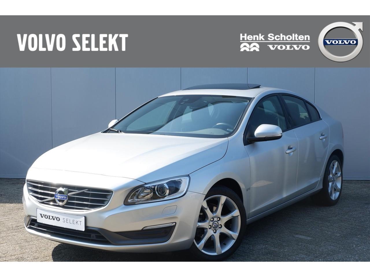 Volvo S60 D2 115pk xenon/ schuifdak/ park assist v+a