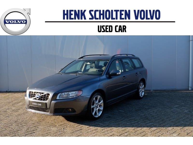 "Volvo V70 2.4d aut6 navi/ telefoon/ roofrails/ 18""lmv"