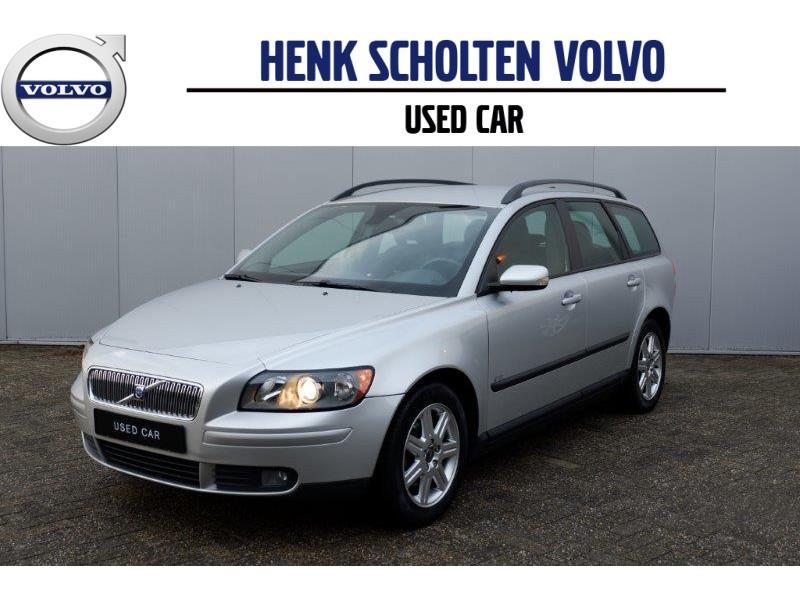 """Volvo V50 1.8 edition/ roofrails/ 16""""lmv/ navigatie"""