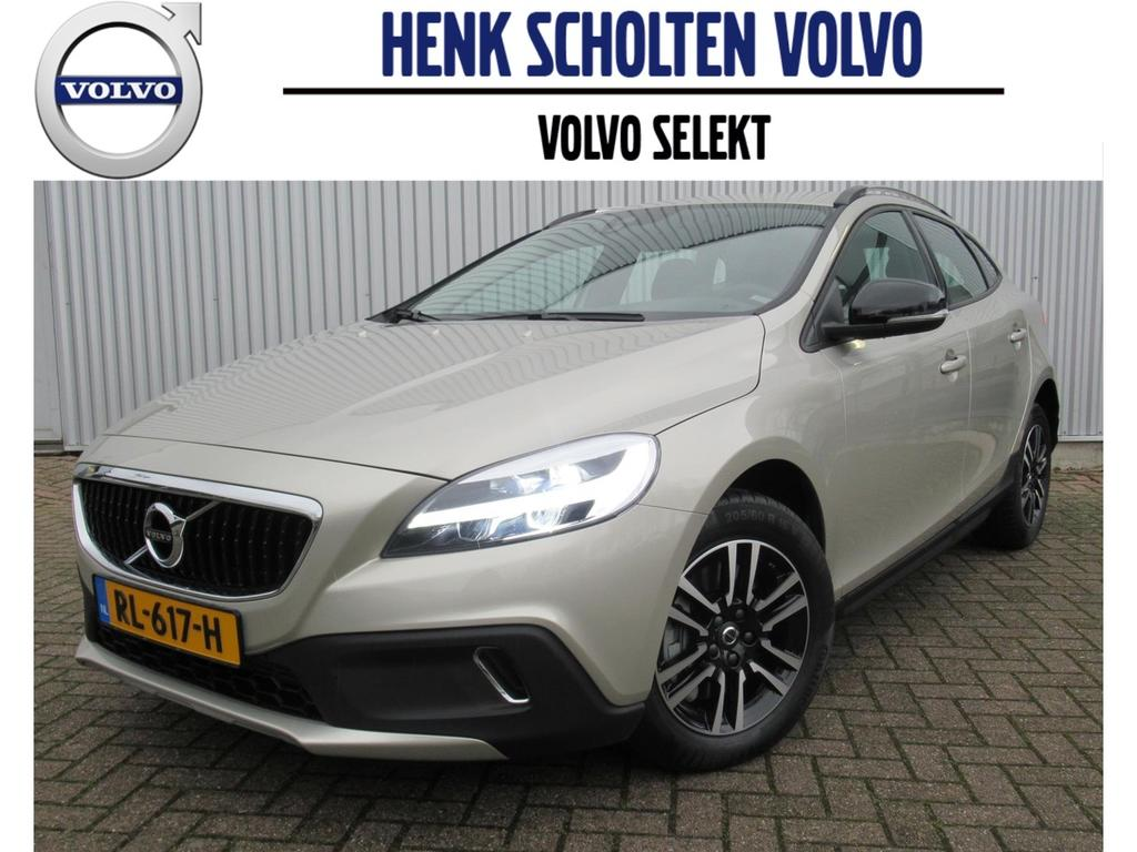 Volvo V40 cross country T3 152pk momentum aut cruise control