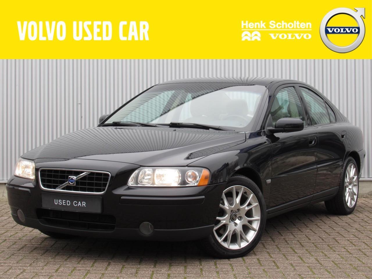 Volvo S60 2.4 140pk edition ii stoelverwarming parkeersensoren